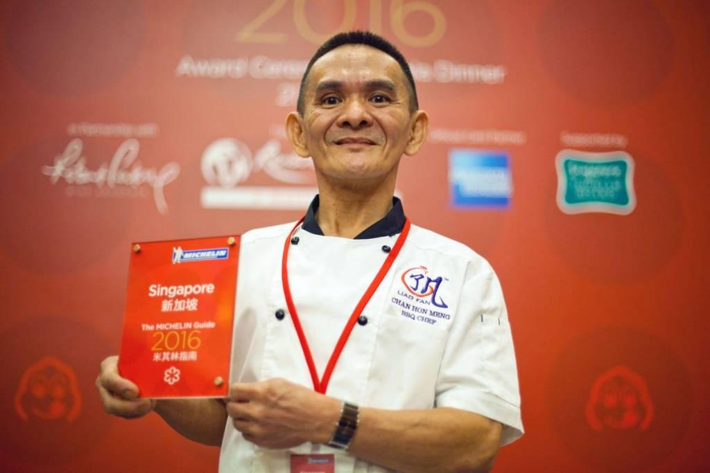 Изумлённый владелец закусочной в Сингапуре со звездой Мишлен