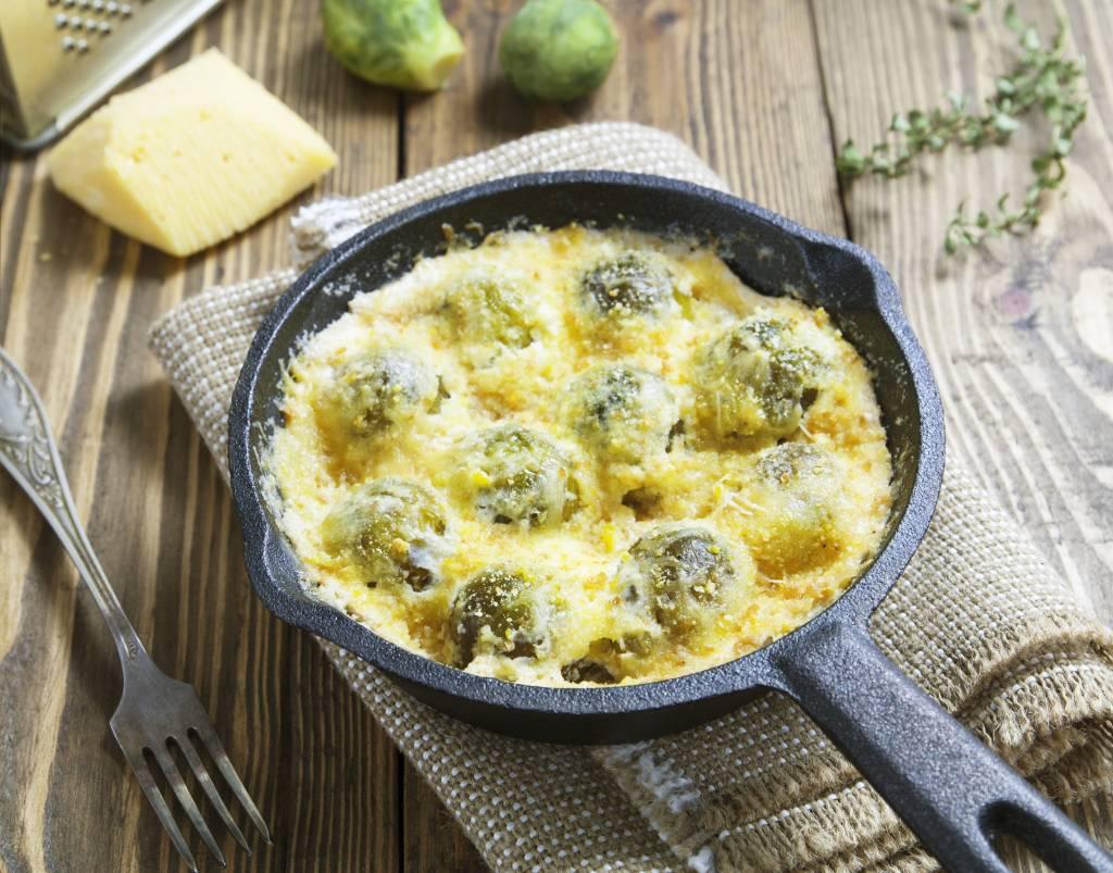 рецепты декабря: брюссельская капуста в соусе бешамель.