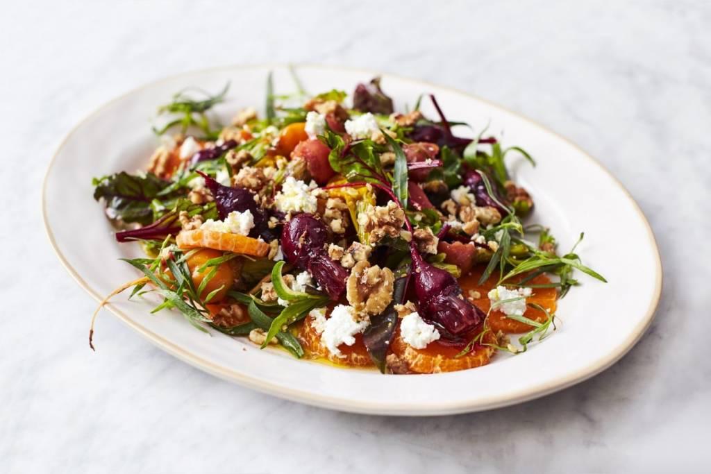 блюда декабря: салат с мандаринами от кейтеринга ШОКОЛАД