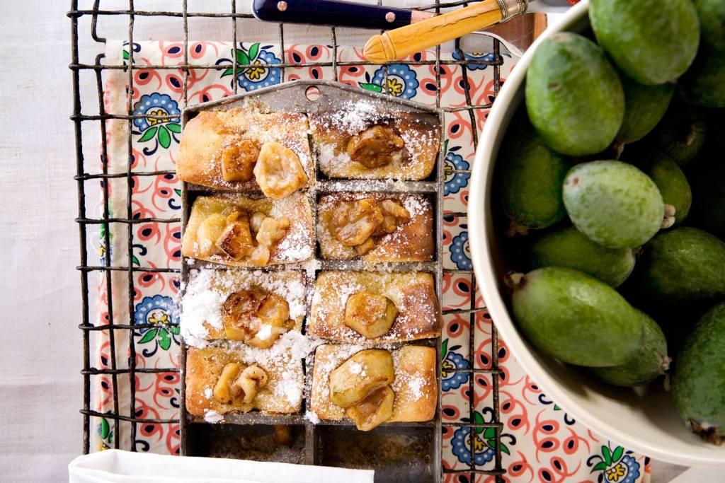 блюда декабря: пирог из фейхоа от кейтеринга ШОКОЛАД