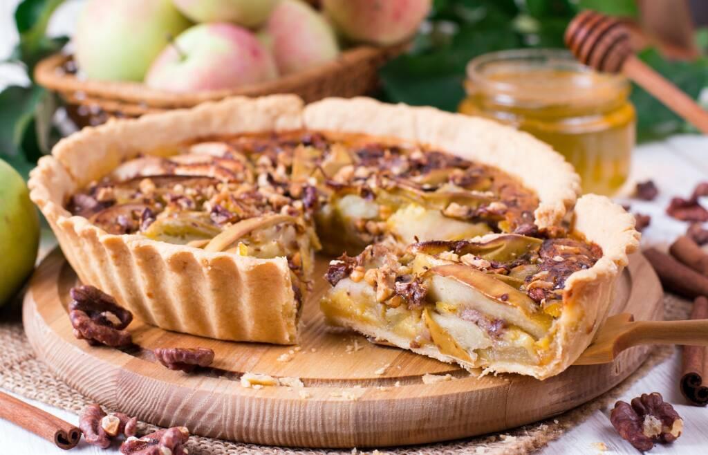 Рецепт - тарт с айвой и грецким орехом